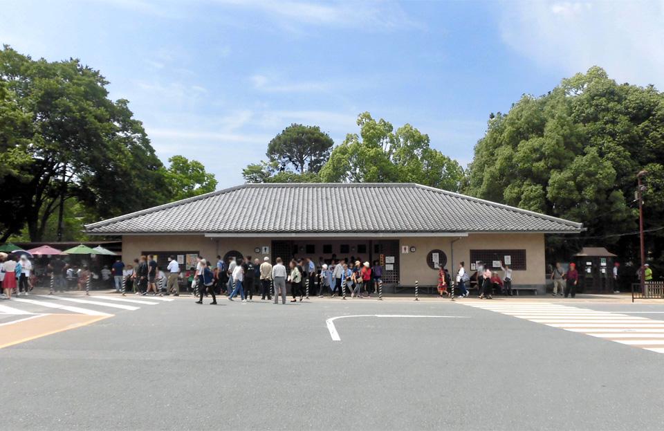 奈良 公園 駐 車場